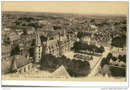 Nevers .  Vue Panoramique Sur Le Palais Ducal .   SUPERBE . - Nevers