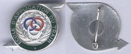 Insigne De L'Ecole D'Application Du Train - Armée De Terre
