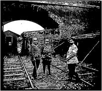 Photo Ancienne Originale Animée Une Gare 3 Officiers  1914 1918 Ww1 Grande Guerre - Oorlog, Militair