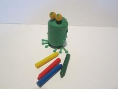 Vieux Montable - Grenouille Avec Crayons - Montables
