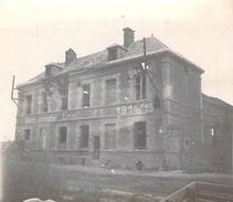 Photo Ancienne Originale Bâtiment Avec Inscription En Allemand 1914 1918 Ww1  Grande Guerre - Guerre, Militaire