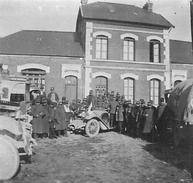 Photo Ancienne Originale Animée Personnalités Et Officiers En Ville  1914 1918 Ww1  Grande Guerre 1 Voiture - Guerre, Militaire