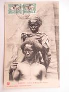 DJIBOUTI  -  COIFFURE DE MARIAGE D'UN SOMALIS          TRES ANIME        TTB - Dschibuti