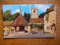 Angleterre , Wiltshire , Castle Combe , The Cross - Angleterre