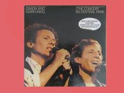 SIMON AND GARFUNKEL - The Concert In Central Park - Double Album - 12 Pages Souvenir Booklet - 1981     (4297) - Disco, Pop