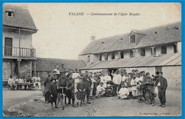 CPA 14 FALAISE Calvados - Cantonnement De L'Epée Royale ° C. Jeanne * Militaria Militaire Soldats Vélo - Falaise