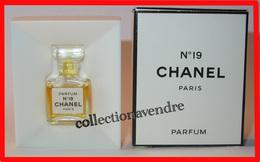 CHANEL : N° 19 Rare Miniature De Collection. Parfum, 1,5 Ml, Parfait état. - Miniatures Modernes (à Partir De 1961)