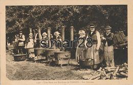 UNE NOCE AUX ENVIRONS DE VANNES - N° 1930 - LES CUISINES - Vannes