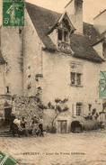 CPA - PULIGNY (21) - Aspect De La Cour Du Vieux Château En 1918 - France