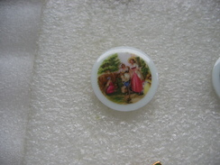 4 Pin's En Porcelaine, Famille D'epoque - Zonder Classificatie