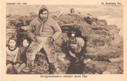 ETHNIQUE - GROENLAND / Nordgronloendere Udenfor Deres Hus - Greenland