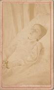 CDV Post Mortem D'un Enfant Par Daveluy à Bruges - Anonymous Persons