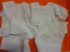 Lot De Chemises  Anciennes  -vintage De Bebe Pour Poupon Poupee- - Non Classés