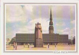 Lettonie        H9        Riga.Latvie¨su Sarkano Streinieka Laukuns - Lettonie