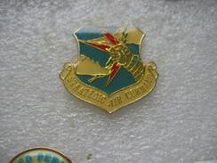 Pin's Du Strategic Air Command, Commandement Majeur Sur La Dissuasion Nucléaire Bombardement Aux USA - Army