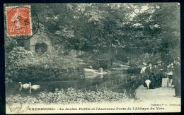 8.4.27 CHERBOURG - LE JARDIN PUBLIC ET L' ANCIENNE PORTE DE L' ABBAYE DU VOEU - Cherbourg