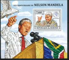 D- BURUNDI 2013 - 95eme Anniversaire De Nelson Mandela - Nobel Prize Laureates