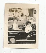 Photographie , 9 X 7 , Enfant , Manége , Fête Foraine SAINT CHRISTOPHE , Automobile , 1953 , - Personnes Anonymes