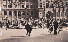 Carte 1944 Le 26 Aout : Des Traitres Tirent Lachement Sur La Foule Place De L'église - Oorlog 1939-45