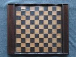 FIGURINES Jeu D' ECHECS Et Ancien ECHIQUIER En Bois à RESTAURER - ( Tablier - Plateau De Jeu D'échecs )    (4309) - Jeux De Société