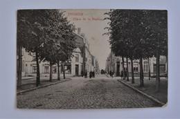 PK/CP Iseghem Izegem Place De La Station Animé Editor Van Moortel 1911 - Izegem