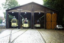 DIAPOSITIVA/SLIDE RIMESSA / DEPOSITO TRAM A FRANCOFORTE 1991 - Trains