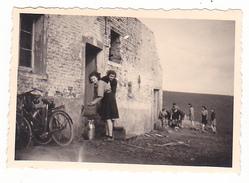 25972 Cinq 5 Photo BELGIQUE  - Camp Ecole  -scout -scoutisme - Vers 1943 - Lieux A Trouver ! - Guerre, Militaire