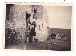 25972 Cinq 5 Photo BELGIQUE  - Camp Ecole  -scout -scoutisme - Vers 1943 - Lieux A Trouver !