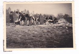 25973 Six 6 Photo BELGIQUE  - Camp Ecole  -scout -scoutisme - Vers 1943 - - Guerre, Militaire