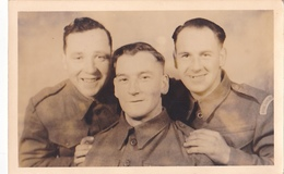 25978 Militaria Photo Militaire Guerre 1939 1945 - Robert Whitfield, Josh Allott Yoanes Thomas - Soldat Militaire - Guerre, Militaire
