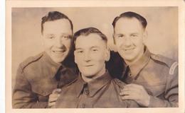 25978 Militaria Photo Militaire Guerre 1939 1945 - Robert Whitfield, Josh Allott Yoanes Thomas - Soldat Militaire