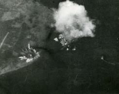 WWII Norvege Tromso Bombardement Du Bateau Tirpitz Ancienne Photo 1944 - Guerre, Militaire