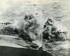 WWII Birmanie RAF Liberators Et USAAF Bombardement Du Delta De L'Irrawaddy Ancienne Photo 1945 - Guerre, Militaire