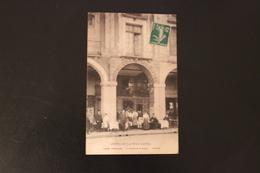 CPA 76 DIEPPE  HOTEL DE LA TOUR EIFFEL   Arcades De La Bourse - Dieppe