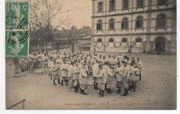 - FRANCE (13) - CPA Ayant Voyagé ARLES-SUR-RHONE 1909 - 58e D´Infanterie - Corvée Des Epluchures (superbe Animation) - - Arles