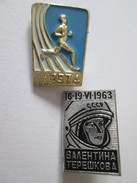Lot 2 Collection Badges:USSR(1963) + China(1974) - Badges & Ribbons