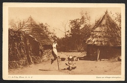 Gazelle Empalée Dans Un Village Au Sénégal (Horizons De France) - Sénégal