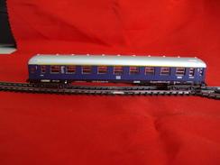 Trains électriques, Echelle N - Voiture Voyageurs DB 1er Classe - Livrée Bleue - Passenger Trains