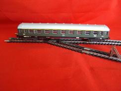 Trains électriques, Echelle N - Voiture Voyageurs DB 1er Classe - Livrée Verte - Voitures Voyageurs