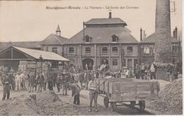 76 - BLANGY SUR BRESLE - VERRERIE - SORTIE DES OUVRIERS - TRES ANIMEE - Blangy-sur-Bresle