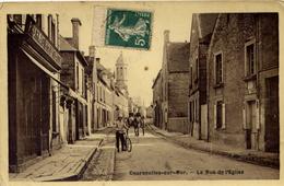 Courseulles  Rue De L'église Animée - Courseulles-sur-Mer