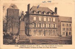 AUBRAC - L'Hôtel - Le Square Du Poilu Et La Tour Des Anglais - Autres Communes