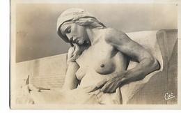 Vimy  -  Monument  Canadien -  Buste  De  La  Femme  Lasse  (  Walter   Allward  Sculpt.  ) - Sculpturen