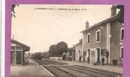 37    ESVRES  INTERIEUR DE  LA GARE  ANIMEE  TRAIN   BON ETAT    2 SCANS - Francia