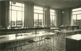 88 Vosges EPINAL Lycée Claude Gelée Salle De Travaux Pratique De Chimie Carte Glacée Non Voyagée - Epinal