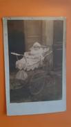 Bébé Dans Un Landau - Carte Photo - Bébés