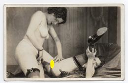 Carte Photo N°7 - Scène Entre 2 Femmes ( Bien Lire Descriptif Pour Celle-ci ) - Nus Adultes (< 1960)