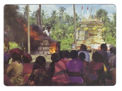 Bali. Cérémonie De Crémation. At Death The Body Is Cremated.... - Bouddhisme