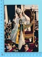 Pape, Papa, Pope - Paul VI Paulus VI  Entré Vers St-Pierre De Rome  - 2 Scans - Papes
