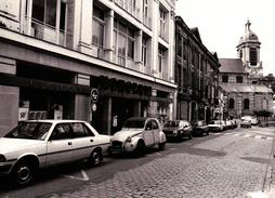 PHOTO  AUTOMOBILES CITROËN 2CV .PEUGEOT 304 .SIMCA .BMW. COMMERCES MONOPRIX LE HAVRE SANVIC ? - Automobiles